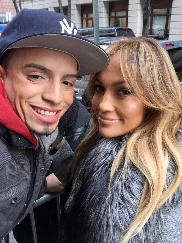 Even though @JLo is on a rush she knows to take a few seconds with her True #JLovers #TheBoyNextDoor @TheBoyNextDoor http://t.co/pNSXGSEtHj