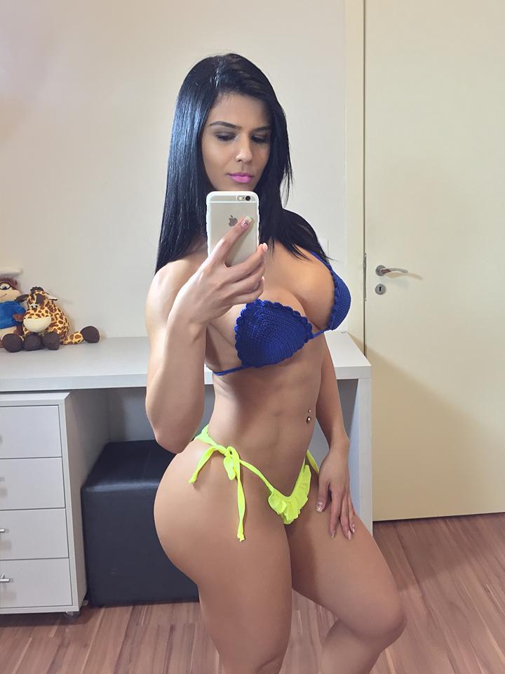 Latina babe in uniform Ice La Fox reveals her gorgeous big butt № 323308 без смс