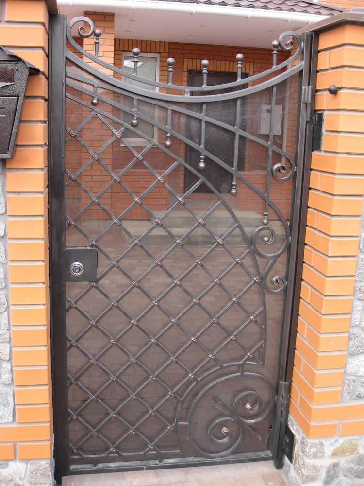 железные кованные двери для квартиры