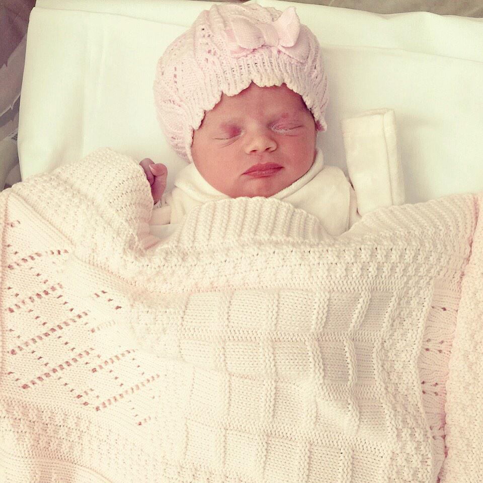 Hoy 19 de Enero en Milan, nació mi pequeña Francesca Icardi ..morimos de amor por nuestra bebita