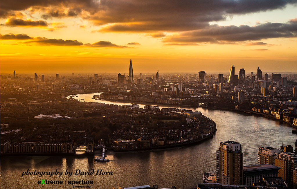 Beauty of a shot taken today by @ExtremeAperture. RT if you're a London lover… http://t.co/Zh44yXeix9