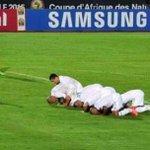 الجزائر فخرنا مبروك رفعتو رأسنا مثل العاده الله عليكم #الجزائر http://t.co/RJpR6iTQzx
