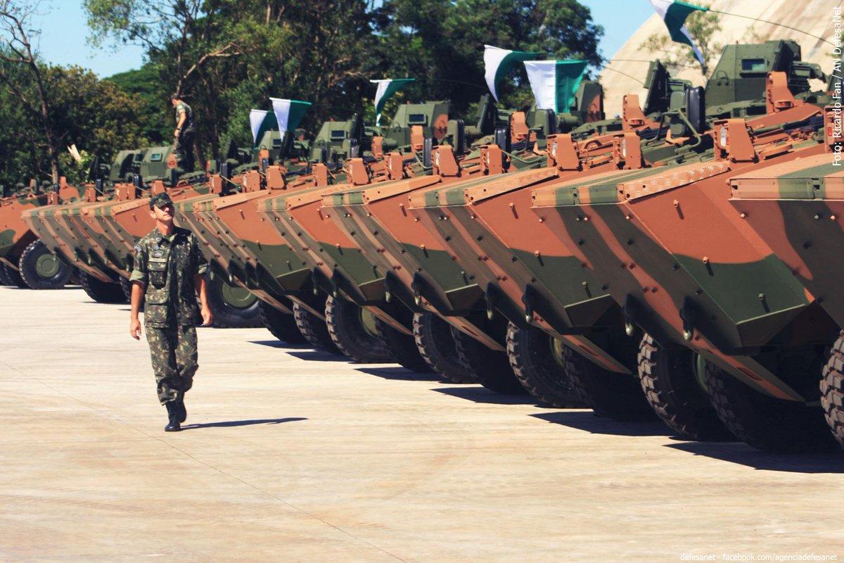 Gen Linhares - @exercitooficial @DefesaGovBr Exército: Entrando na Era do Conhecimento http://t.co/4UiTCr5vff http://t.co/YAx1IYLb89