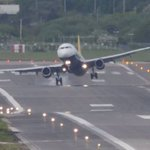 Video shows turbulent landings at a windy Birmingham airport http://t.co/UEMoxiLPiG http://t.co/Nkl4YH01Ki