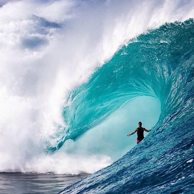 RIP Ricardo Dos Santos. Tragic passing of big wave charger & all around amazing human has shocked the surfing world http://t.co/yJwvUYA6AI