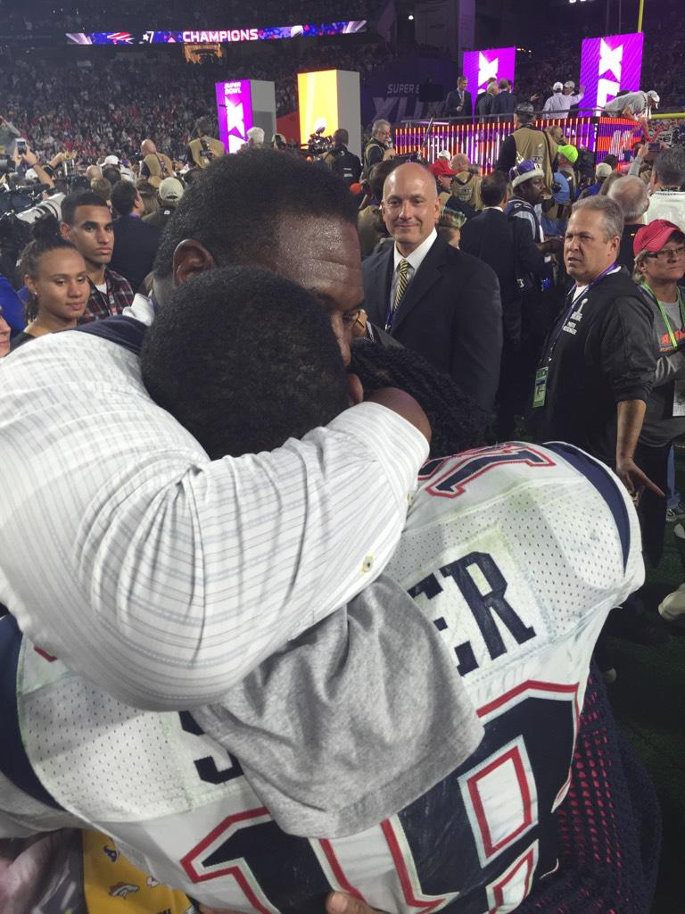 Hall of Fame dad Jackie Slater shares a moment with son and SB champion Matthew Slater. #SuperBowI http://t.co/SM45v0qhN2