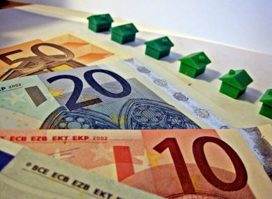 pour ses 80 ans monopoly change ses billets pour quelques vrais euros dans 80 bo tes. Black Bedroom Furniture Sets. Home Design Ideas