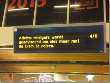 Brekend: De #NS maakt voorgoed een einde aan alle problemen voor zijn reizigers. (@KeithWM) http://t.co/QdIDuhwIJY