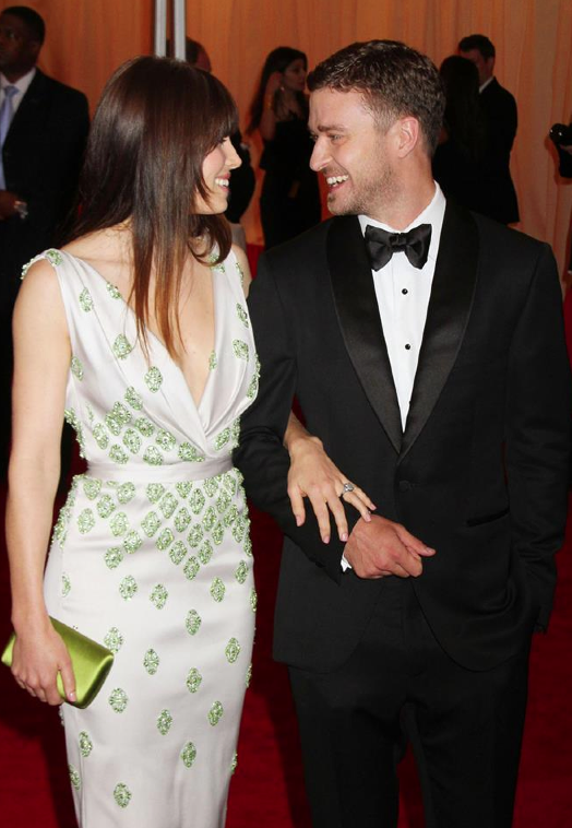 Justin Timberlake & Jessica Biel are pregnant! But wait 'til you see HOW they announced it...