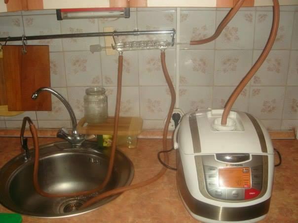 """Dmytro в Твиттере: """"В эфире рубрика """"Вкусно и полезно"""".Из мультиварки уже исхитрились сделать самогонный аппарат http://t.co/uFb"""