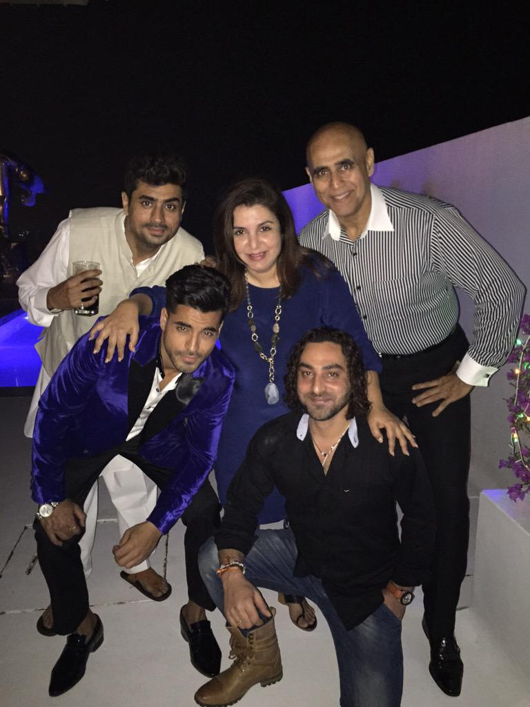 The p3G gang !! On my terrace at the Bigg boss HALLABol party!! http://t.co/Jg17UwICcF