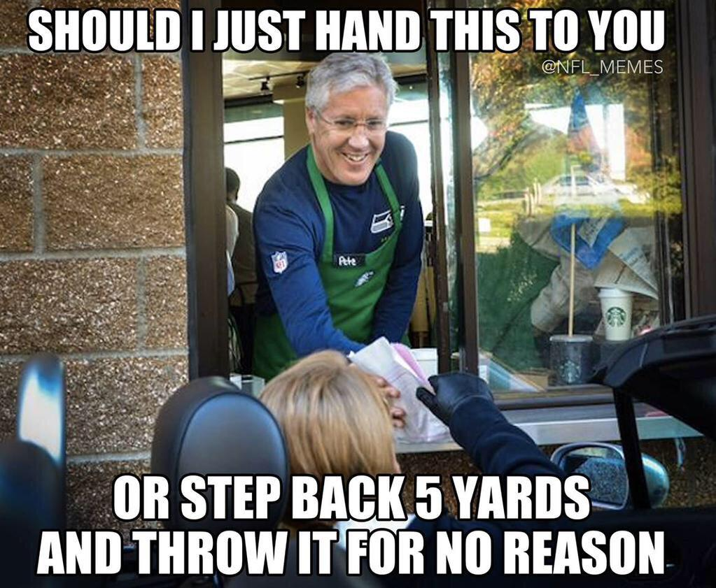 So wrong,but too funny. #SuperBowl49 http://t.co/eBkjoYKDfd