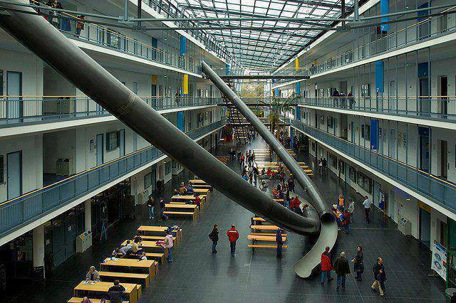 A university in Germany has installed these slides for students to come down to the ground floor in an enjoyable way. http://t.co/h22YcwIENh