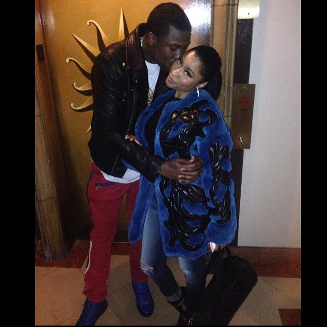 Nicki Minaj and Meek Mill Go Public with Their Relationship http://t.co/eMe4xKUEb7 http://t.co/qL5d9QT7Od