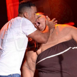 """@guisodemondongo: No nos olvidemos que Romeo Santos aparte de bachata, también hace estas cosas. http://t.co/Hd0NXiElhG"""