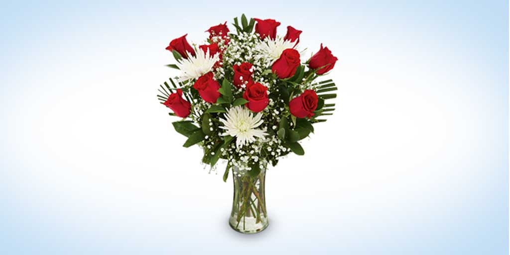 Take her breath away this Valentine's Day with a dozen roses in this premium arrangement. Shop now! http://t.co/11I2g7toQ6