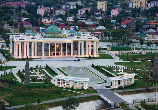 Эконом памятник Купола с профильной резкой Бердск Лампадка из габбро-диабаза Новопавловск