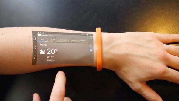 Gaaf. Ik wil hem als haarband. RT @bnox: Bracelet Turns Skin Into a Touchscreen Display  http://t.co/ZLB4THkY5j http://t.co/KzSPC3iIsF