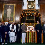 RT @AShetty84: LK Advani & Dr. Subramanian @Swamy39 in Parliament House today to pay floral tribute to Netaji Bose - Jan 23, 2015 http://t.…