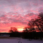 Gorgeous sunrise in Holmen, WI this morning. Thanks for the pic Kathy. #wiwx #sunrise http://t.co/x49Al4qy7a