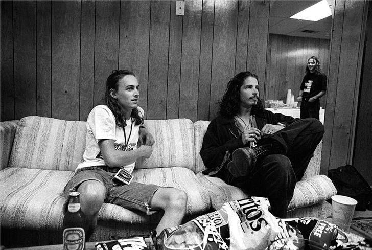 One week until @MadSeasonMusic reunion w/ @ChrisCornell and @DuffMcKagan! http://t.co/LjrSom0ydv @MikeMcCreadyPJ http://t.co/5B7acM4I58