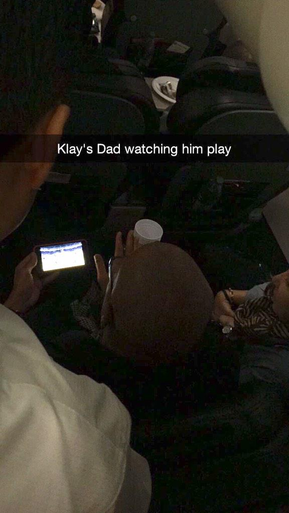 Mychal Thompson in the back of the @Lakers team plane watching his son go absolutely nuts in the third quarter. http://t.co/OZs2S97AhR