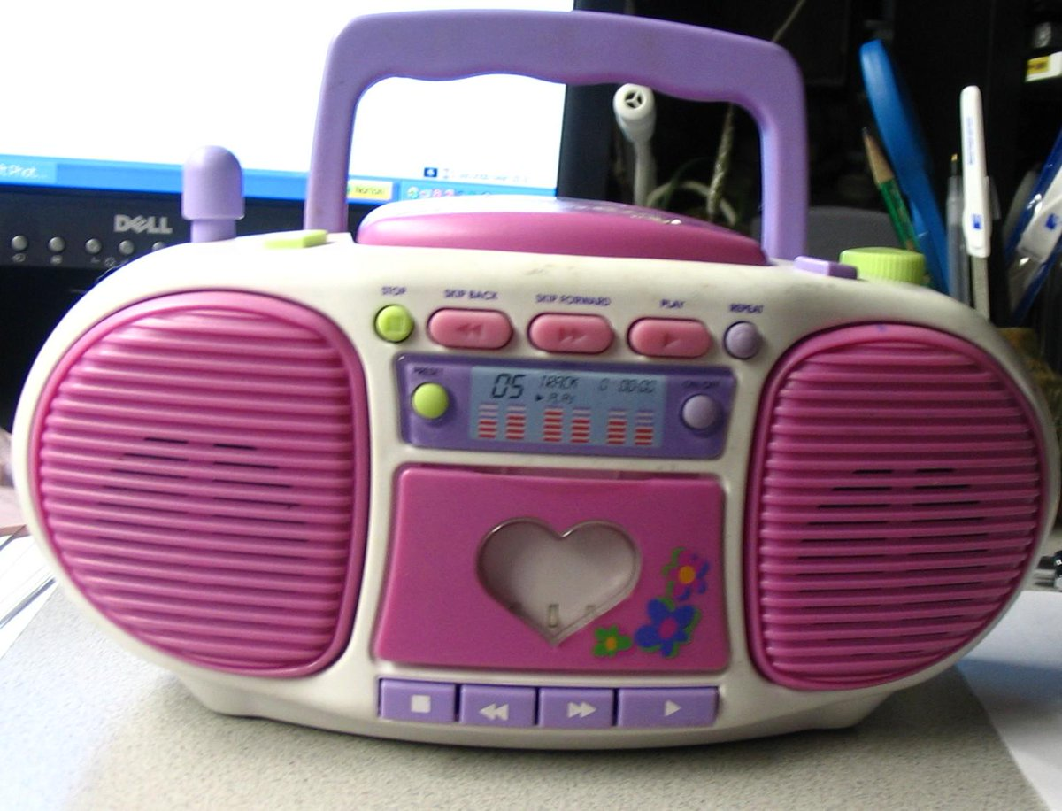 OMG who remembers this boombox? #BarbieRadio #90skid http://t.co/jkqyfYcg70
