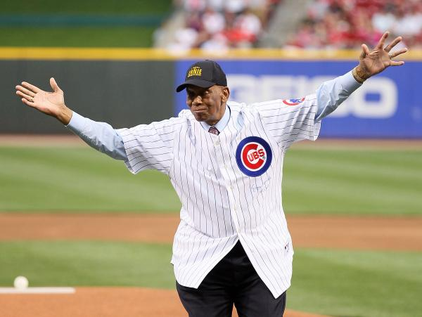Top Story - BREAKING: Ernie Banks, 'Mr. Cub,' Has Died - http://t.co/SiJbv7OnOr http://t.co/JsNVKOBBtu