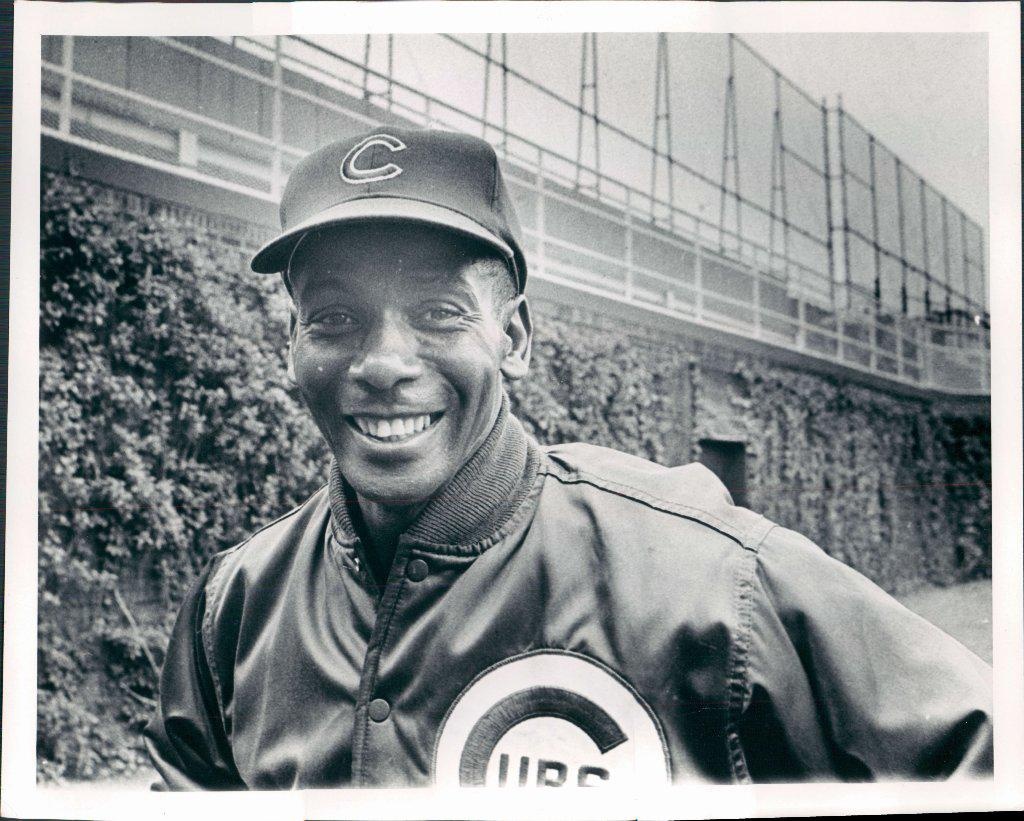 Legendary Cubs player Ernie Banks has died at age 83. #MrCub http://t.co/j9LgEBEbiv http://t.co/cy4XECmi4Z