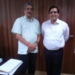 Had the honour of meeting Hon Defence Minister of India @manoharparrikar today at Goa. Humble as always http://t.co/173qVTotmK
