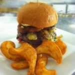 The George Burger awaits! Is the perfect #SeniorBowl lunch. #MobileAL http://t.co/vqjlYeAQQ0 http://t.co/2vJdzb6PSp