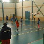 ¿ Así avanza el balonmano extremeño?  En toda España defensas abiertas, aquí seguimos viendo 6:0 en infantiles. http://t.co/WbMg5m5s8w