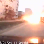 Extraordinary video shows moment #Russias Grads impacted a residential area in #Mariupol http://t.co/Cf26awPgBh @hrw http://t.co/VbYYXp8mE9