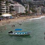 Beautiful saturday at Los muertos beach, Puerto Vallarta! http://t.co/UHOZn60g6a