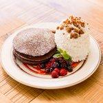エッグスンシングスのバレンタイン新作パンケーキ - チョコレートにミックスベリーを添えて - http://t.co/XlIC07gCZL http://t.co/9Br7Spne6L