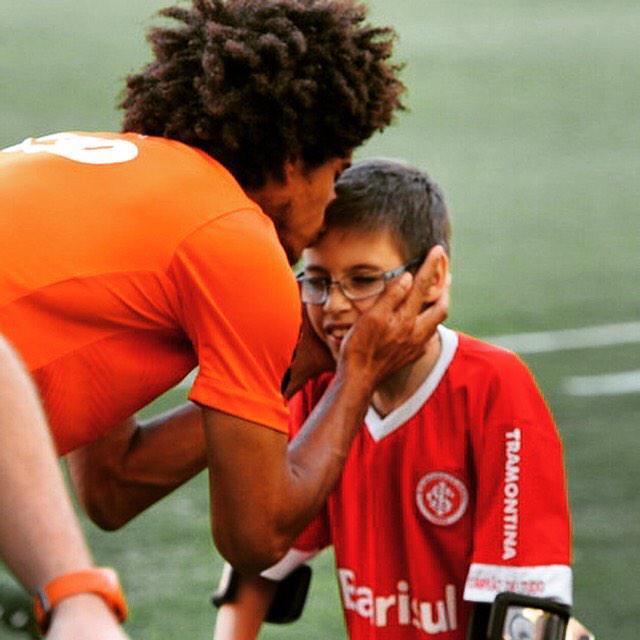 Te amo !! Inter minha vida ... Uma imagem vale mais que mill palavras... Minha camisa vermelha .. http://t.co/mCFO0R404H