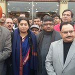 Hungry kya? PMs top ministers break for lunch at famous dhaba http://t.co/MZMfI9LHXr http://t.co/GrJJFPJ1y7