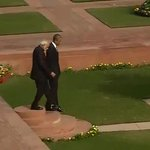PM Modi and President Obama take a stroll in the gardens at the Hyderabad House in Delhi #NamastePOTUS http://t.co/bUzNHFvOI3