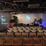 お客さん誰一人来ませんでした #Prophet2015 http://t.co/77KgfPwmWn