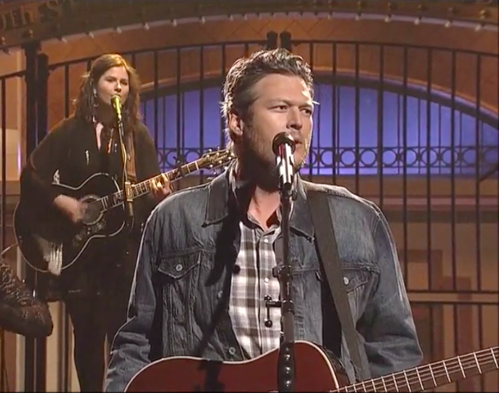 "SO solid! MT @GossipCop: Blake Shelton ""Boys 'Round Here"" On #SNL (VIDEO) http://t.co/kvV6nxDwyE  #BlakeSNLParty http://t.co/CxOgpWfdVW"