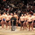 <千秋楽の様子>北の湖理事長による、協会挨拶。#sumo http://t.co/oOD0h0NTsd