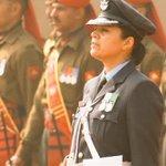 Star Power ! Proud moment ! Wing Cmdr Pooja Thakur leads the Guard of Honour #ObamaInIndia #NamasteObama http://t.co/KRactLt3p3