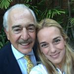 (LA IMAGEN) Destrozada por el dolor y por el hambre, Lilian Tintori juntó fuerzas para tomarse una foto con Pastrana http://t.co/8ZyQtR9A3h