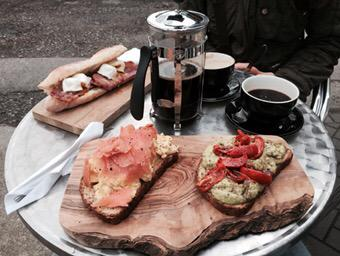 We came for the coffee, but stayed for the breakfast! What Sunday's are made for @BaileysDeli #CarshaltonBeeches http://t.co/yA3090Wy51