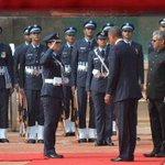 "Wing commander ""Pooja Thakur"" ???? A Great Salute for our Woman Power Of India @narendramodi @BarackObama @thekiranbedi http://t.co/J7m4Vql2w0"