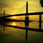 Matahari terbenam di Jambatan Kedua Muar. http://t.co/4zMH5tgcLk