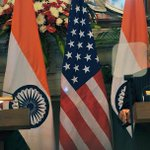 From warm hugs to tea diplomacy, Obamas visit to India filled with moments of bonhomie #TheObamaVisit http://t.co/P3X0DUB3lg