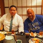途中で戦闘竜関とNHKの刈屋富士雄アナウンサーも来てくれました!#浅香山部屋 #sumo http://t.co/oqngrHCKCu