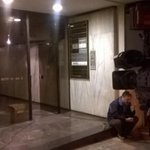 New Democracy offices in Thessaloniki. Mot one supporter outside, just some bored camera operators. #Greece http://t.co/sDx7WojvCG