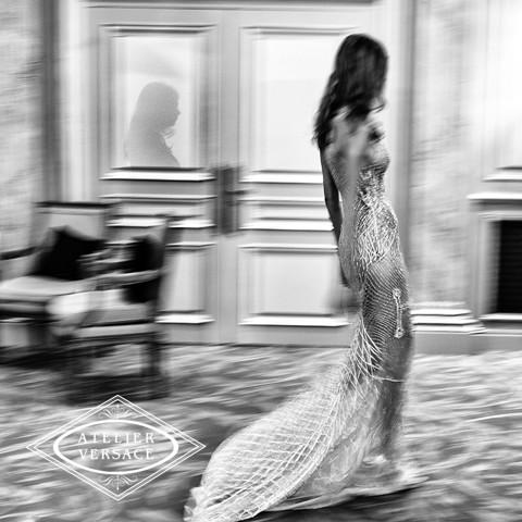 'One hour to go and the #AtelierVersace show is starting...' - DV. Photo by @RAHIREZVANI #InsideAtelierVersace http://t.co/PLiZZTv765